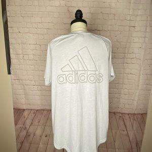 Adidas V-Neck T-shirt size L